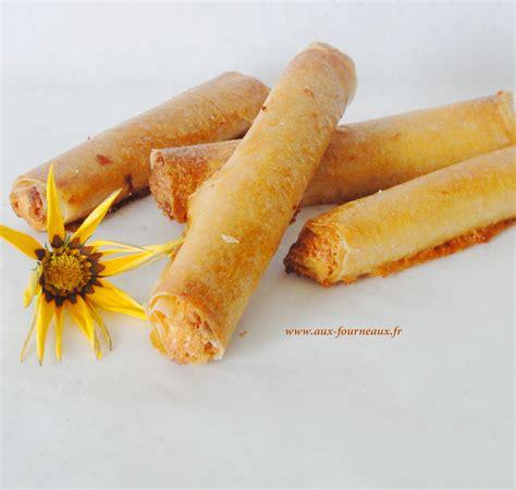 cuisiner des feuilles de brick cigares aux amandes et miel aux fourneaux