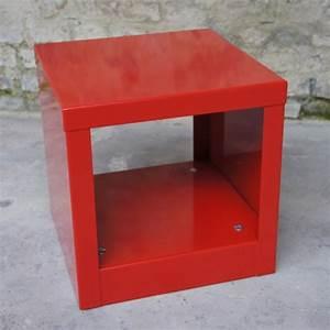 Table De Chevet Cube : table cube rouge table basse design table basse m tal ~ Teatrodelosmanantiales.com Idées de Décoration