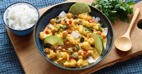 recette curry vegetarien de chou fleur roti  pois
