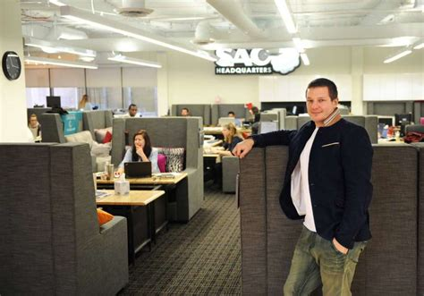 Shawn Nelson Lovesac by Lovesac Kicks Back In New Hq Newstimes