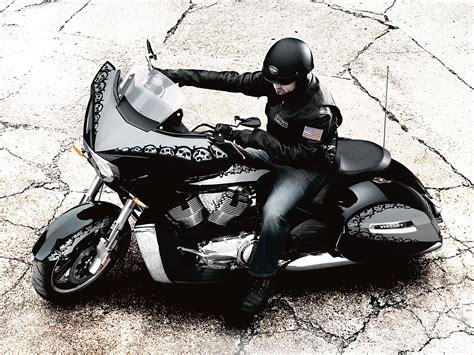 2010 Victory Cross Country Motorcycle Desktop Wallpaper