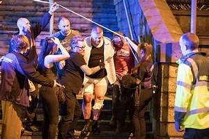 イギリス・マンチェスターのコンサート会場で死傷者多数の爆発直後の現場からのムービーなどまとめ - GIGAZINE