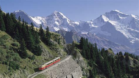 jungfrau und löwe panorama sur l eiger le m 246 nch et la jungfrau suisse