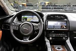Nouveau 4x4 Jaguar : francfort 2015 fiches techniques du nouveau suv jaguar f pace 2016 photo 23 l 39 argus ~ Gottalentnigeria.com Avis de Voitures