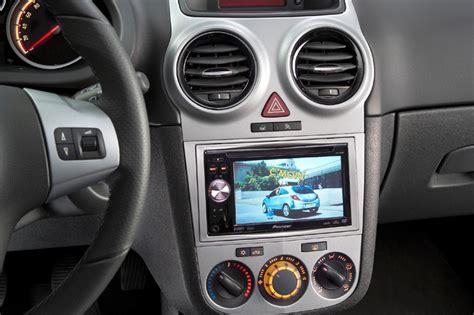 multimedia center voor speciale opel corsa autonieuws