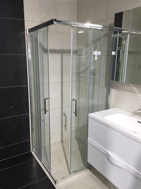 square shower box  corner entry   sliding doors