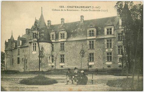 banc postale 44 chateaubriant ch 226 teau renaissance personnages sur banc