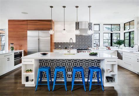 A Modern Kitchen With Black & White Accents  Granada Tile. Designs Of Kitchen Tiles. Designer Kitchen Towels. Kitchen Designers Denver. Red Kitchen Design Ideas. Old World Kitchen Designs. Kitchen Design Brighton. Kitchen Bars Design. Bauhaus Kitchen Design