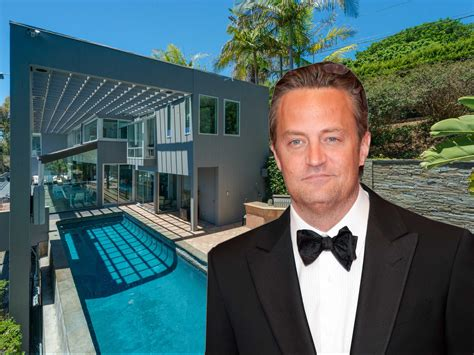 Are you looking for matthew perry gets 65m malibu beach house? Matthew Perry Has Sold The $12.5 Million Malibu Mansion He ...