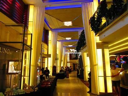 Shops Celebrity Silhouette Boulevard Zoom