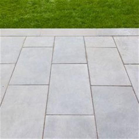 paving bonds bluestone paving in a running bond gardens landscapes pinterest gray color love this