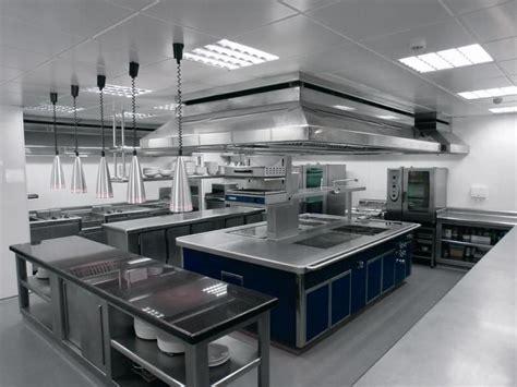 la organizacion de la cocina en  restaurante tesis