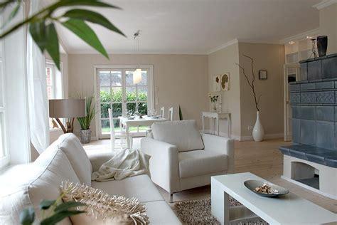 Wandfarbe Wohnzimmer by Kachelofen Bilder Ideen