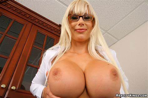 Fakeagentuk Grey Haired College Chick Conned Into Extreme Throat