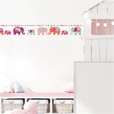wandgestaltung kinderzimmer mädchen selbstklebende bord 252 re elefanten bord 252 ren f 252 r
