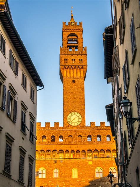 Palazzo della signoria, better known as palazzo vecchio, has been the symbol of the civic power of florence for over seven centuries. Palazzo Vecchio Secret Itinerary Tour - Italy's Best
