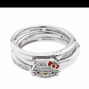 i love this wedding setbeing a hello kitty addict this With hello kitty wedding ring set