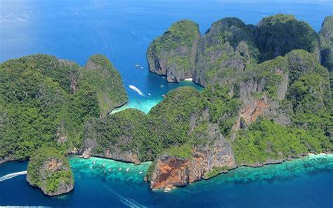 Scuba Diving Phi Phi Island  Dive Holidays & Travels Koh