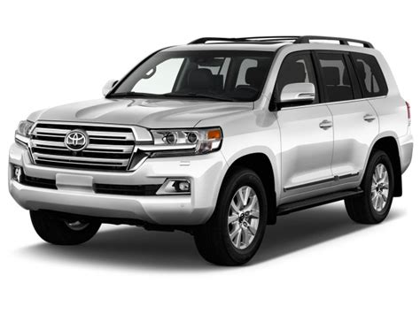 2017 Toyota Land Cruiser Review, Ratings, Specs, Prices