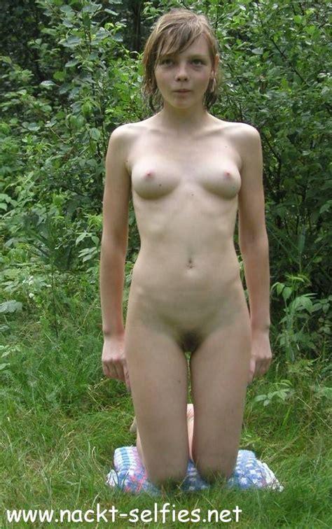 """Teen garten nackt im """"Der Fremde"""