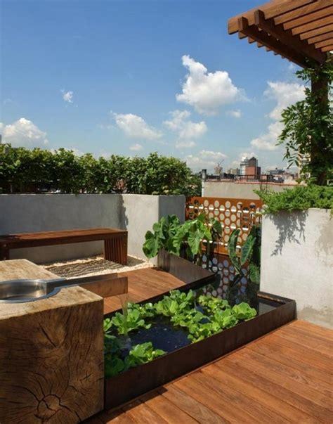fontane da terrazzo foto fontana in terrazza con piante di valeria treste