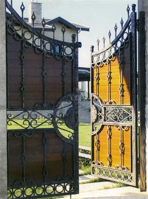 bureau fer forgé portail fer forgé et bois portail en fer forgé et