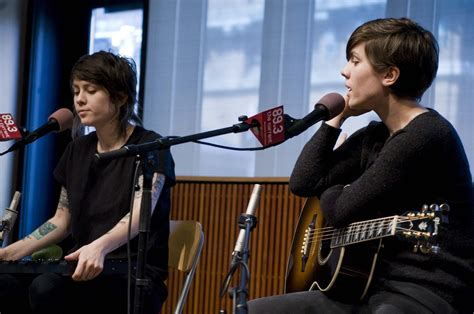 Tegan And Sara Perform In The Ubs Forum