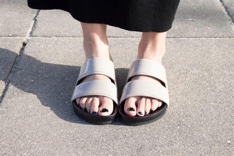 SLIDE SANDALS: The Biggest Shoe Trend This Summer