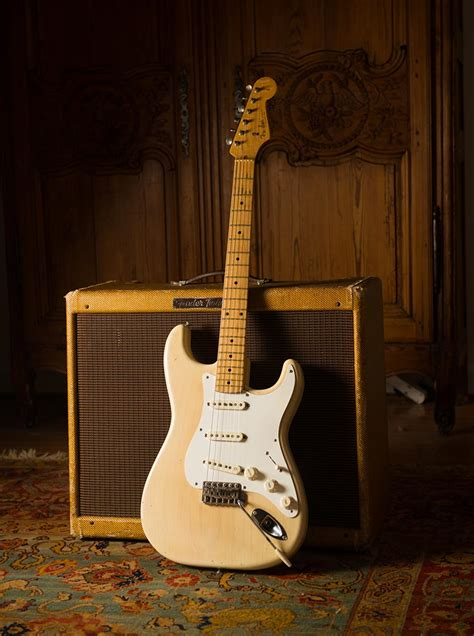 blonde fender stratocaster  original vintage