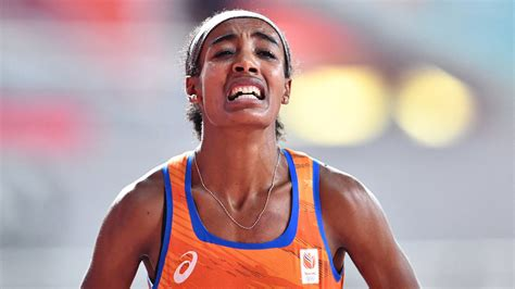 The dutch athlete sifan hassan has announced that she will make an audacious and historic assault on the 1500m, 5,000m and 10,000m treble at the tokyo olympics. Sifan Hassan stapt kilometer voor het einde uit de race, Keniaanse Obiri wint   NOS