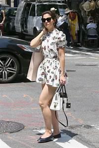 Dressing New York : katie holmes leggy in floral print mini dress new york city 06 09 2018 ~ Dallasstarsshop.com Idées de Décoration