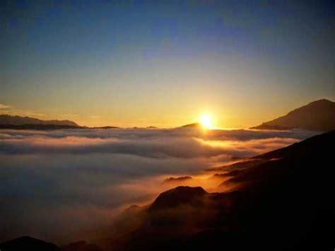 bromo sunrise  spesial natal    bromo