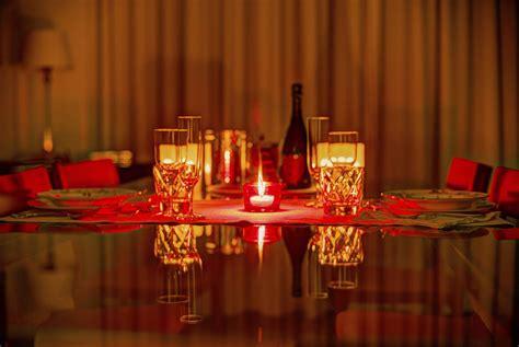 cuisine de qualité décoration table pour dîner romantique pratique fr