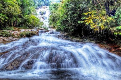 lata kinjang waterfalls  spectacular falls