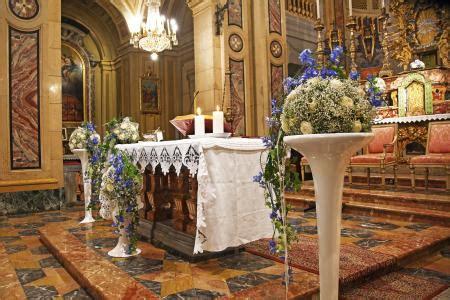 wedding flowers  church altars lovetoknow