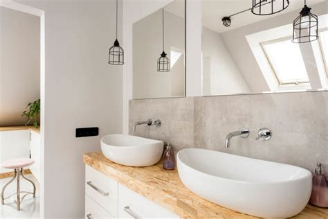 how to design a small bathroom how to a small bathroom look bigger reader 39 s digest