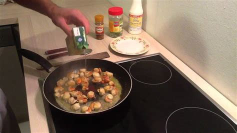 cuisiner jacques préparer des coquilles jacques à la crème cuisiner