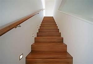 Treppen Im Haus : gerade treppe mit gemauertem gel nder hausbau ~ Lizthompson.info Haus und Dekorationen