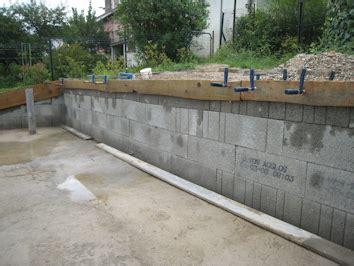comment monter un mur en comment monter un mur parpaing 224 marseille cout travaux appartement construction maison cube