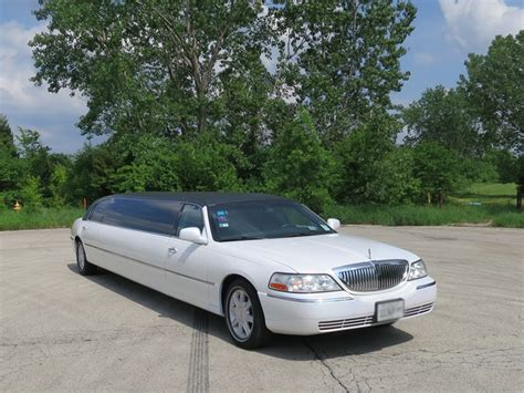 Limo Car by Lincoln Town Car Stretch Limousine 10 Passenger