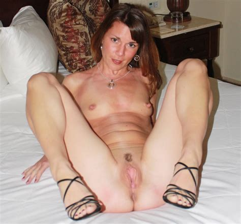 deb1.jpg in gallery Hot sexy milf showing her pussy, Add comments (Picture 2) uploaded by ex ...