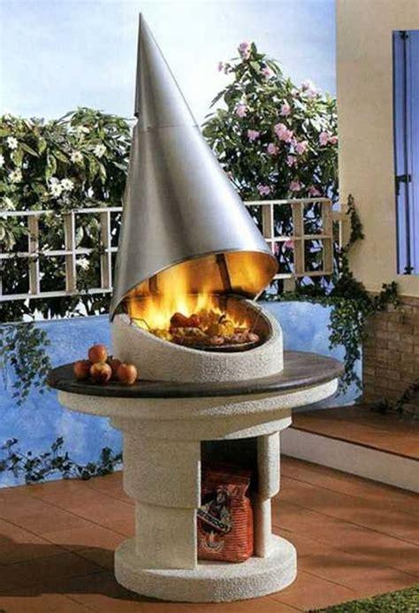 barbecue fixe fonctionnel  esthetique dans le jardin moderne