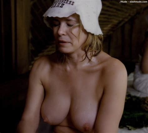 chelsea handler topless for spa shower on chelsea photo 11 nude