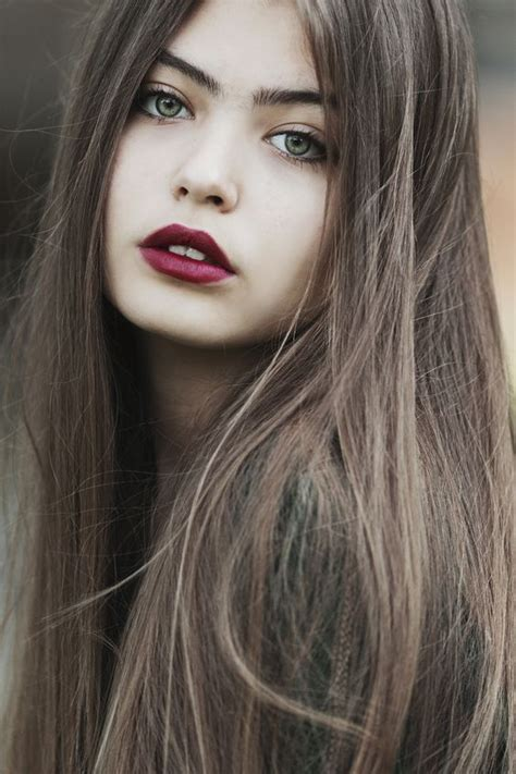 hair color  green eyes   skin tones