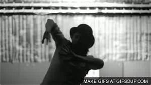 Seizure GIF - Find & Share on GIPHY