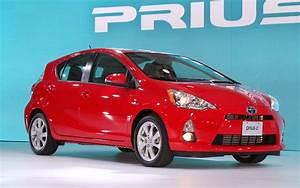 Toyota Prius Versions : toyota prius c the alterna corolla motor trend ~ Medecine-chirurgie-esthetiques.com Avis de Voitures