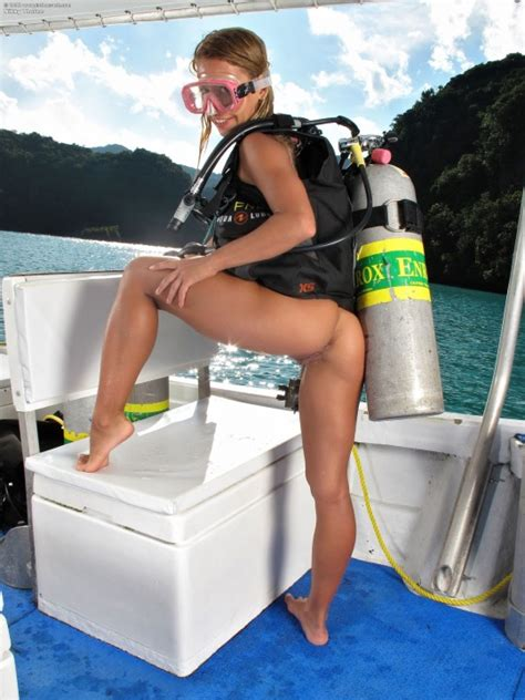 The Way To Scuba Dive Nude Nudeshots