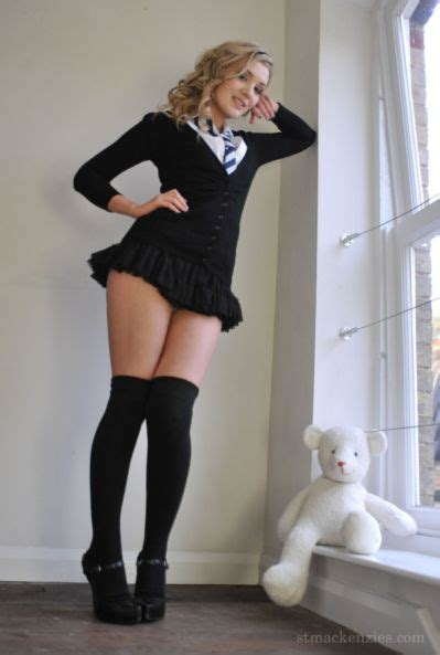 Sexy Nude Schoolgirl   British School Girls