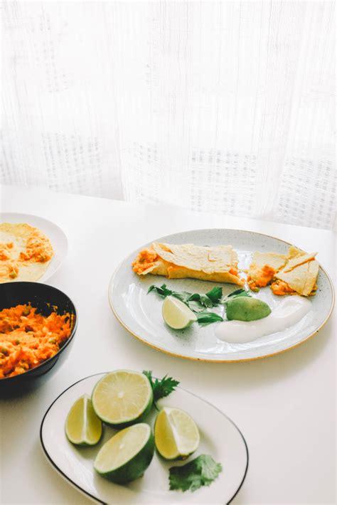 Indiešu pankūkas ar saldā kartupeļa pildījumu - Krustnagliņa