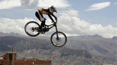 Extreme Downhill Mountain Biking - YouTube